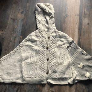 Unique Anthropologie cardigan / shawl